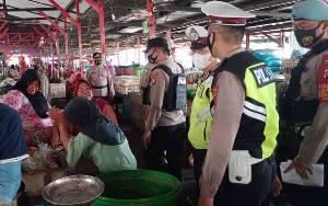 Petugas Masih Temukan Pelanggaran Protokol Kesehatan di Pasar Pembuang Hulu dan Kuala Pembuang