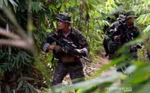 Marinir Indonesia dan AS Berlatih Perang Hutan