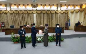 Wakil Bupati Barito Utara Serahkan Materi Sidang Raperda Perubahan RPJMD 2018-2023