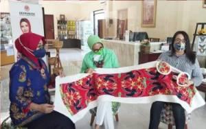 Ketua Dekranasda Kalteng: Kain Batik Tidak Hanya Dibuat untuk Busana dan Aksesoris
