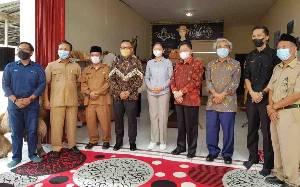 OJK Kalteng Apresiasi Cara Teringin Pusat Oleh-oleh Pangkalan Bun Promosikan Produk UMKM