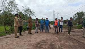 Wakil Bupati Katingan Tinjau Pembangunan Jalan dengan Mengendarai Motor Trail