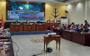 Pemko Palangka Raya Lakukan Pemerataan Pembangunan Sampai Komunitas Adat Terpencil