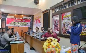 Polres Barito Timur Gelar Pelatihan Public Speaking dan Pembentukan Virtual Police
