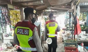 Polisi Ingatkan Pentingnya Protokol Kesehatan di Pasar Rajawali