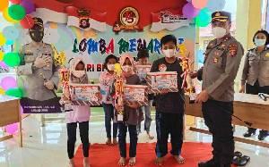 Polres Kapuas Gelar Lomba Mewarnai Tingkat SD Sambut HUT Bhayangkara