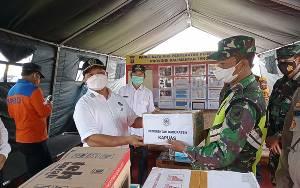 Wakil Ketua I DPRD Kapuas Beri Semangat Petugas Jaga Pos Penyekatan