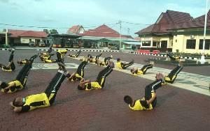Personel Polres Seruyan Olahraga Bersama Jaga Kebugaran Tubuh