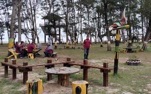 Pengunjung Pantai Sukamara Dibatasi untuk Cegah Covid-19