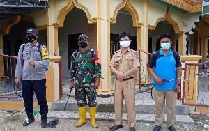Camat Dusun Timur Sterilisasi Masjid-masjid Jelang Idul Adha untuk Cegah Covid-19