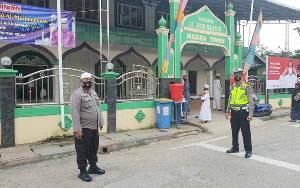 Personel Gabungan Lakukan Pengamanan Ibadah Idul Adha di Sejumlah Masjid