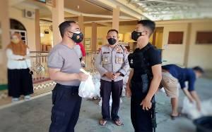 Polres Barito Timur Bagikan 750 Paket Daging Kurban