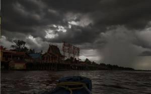 BMKG Beri Peringatan Dini Potensi Hujan Deras Disertai Angin Kencang dan Petir di Kotim