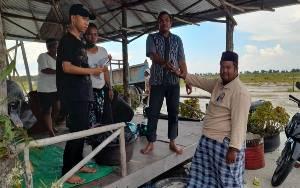 H Abdul Rasyid AS Salurkan Daging Kurban kepada Masyarakat Sungai Tabuk