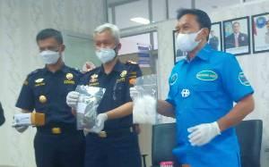 BNNP Kalteng dan Bea Cukai Tangkap Pemuda Bersama Ratusan Gram Ganja di Sampit