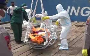 Akibat Ada yang Meninggal, Seluruh ABK MV Karya Mandiri Dilarang Turun dari Kapal Sebelum PCR