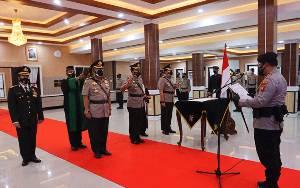 Kapolda Kalteng Pimpin Serah Terima Jabatan 2 Pejabat Utama dan Kapolresta