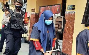 Tipu Penjual Emas, Guru Honorer asal Lamandau Ditangkap Polres Kobar