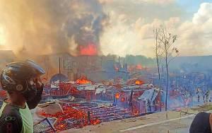 Puluhan Rumah Warga Tumbang Rungan Terbakar