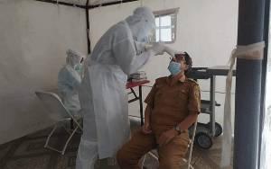Pegawai Dispursip Kalteng Jalani Test Sweb Antigen