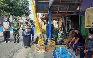 Bupati Kobar Salurkan Sembako untuk Warga Isolasi Mandiri dan Terdampak Covid-19