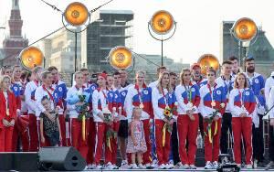 Rusia Arak Peraih Medali Olimpiade Tokyo di Lapangan Merah