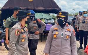 Wakapolda Kalteng Cek Pos Penyekatan di Desa Taruna Untuk Pastikan Kesiapan Petugas