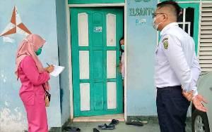 Personel Dishub Palangka Raya Bantu Petugas Medis di Puskesmas