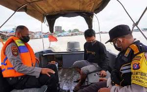 Polisi Pelabuhan Rambang Patroli Air Jaga Kamtibmas