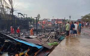 Terdata 5 Rumah Terbakar di Belakang Eks Pasar Tembaga Indah