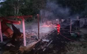 Rumah Kosong di Desa Teluk Bogam Ludes Terbakar
