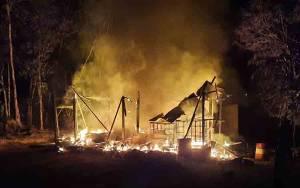 Sebuah Rumah Terbakar di Desa Bentot Barito Timur