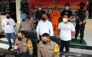 4 Buruh Mengaku Anggota Polri Diciduk Polisi