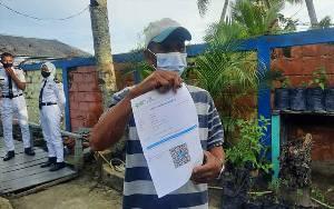 Nelayan Senang Dapat Serbuan Vaksin dari TNI AL Kumai