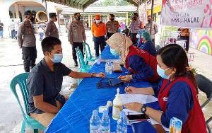 Polres Barito Timur Laksanakan Vaksinasi Gerai Presisi di Masjid Agung Ar-Rahman