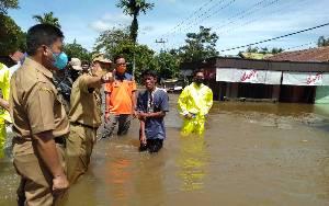Terendam Banjir, Jalan Trans Kalimantan di Kasongan - Kereng Pangi Putus