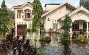Rumah Wakil Bupati Katingan Turut Terendam Banjir