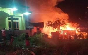 Satu Rumah Warga Pangkalan Bun dan 2 Motor Habis Terbakar