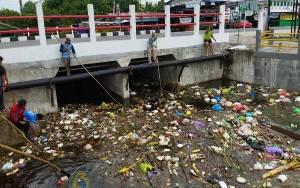 Tumpukan Sampah Jadi Salah Satu Penyebab Banjir di Palangka Raya