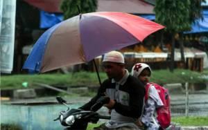 Hujan Lebat Disertai Angin Diprakirakan Meliputi Sejumlah Wilayah ini