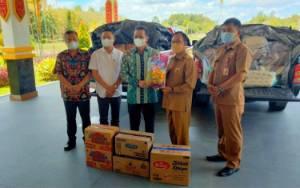 Bupati Murung Raya Serahkan Bantuan Korban Banjir Katingan