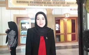 Anggota Dewan Minta Pemkab Kobar Serius Bangun SMP Runtu