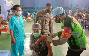 Polsek Dusun Tengah Pastikan Kelancaran Vaksinasi Massal di Ampah