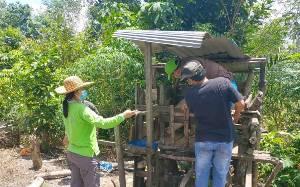 Distan Kabupaten Gunung Mas Obati Ternak Sakit di Dahian Tambuk