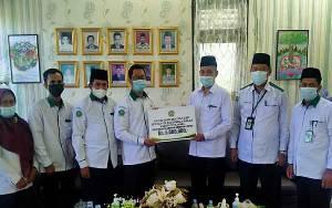 UPZ Kemenag Kapuas Salurkan Bantuan ke Musala