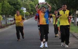 Kapolres Seruyan Ajak Anggota Jaga Kebugaran Tubuh dengan Berolahraga