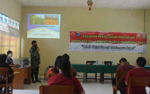 Tingkatkan Pengetahuan Masyarakat Kampuri, Satgas TMMD Gelar Penyuluhan Pertanian