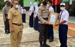 Kapolres Seruyan Beri Motivasi Pelajar SMPN 1 Kuala Pembuang untuk Tingkatkan Prestasi