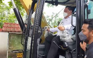 Bupati Kotim: Bantuan Excavator untuk Kecamatan Diharapkan Bisa Tingkatkan Perekonomian Masyarakat