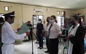 Kepala Desa Tanjung Riu Lantik Kasi Pemerintahan